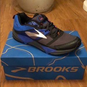Brooks Cascadia 12 - Brand New - Size 11